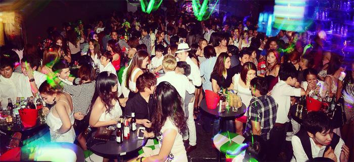 lesla_party_feat